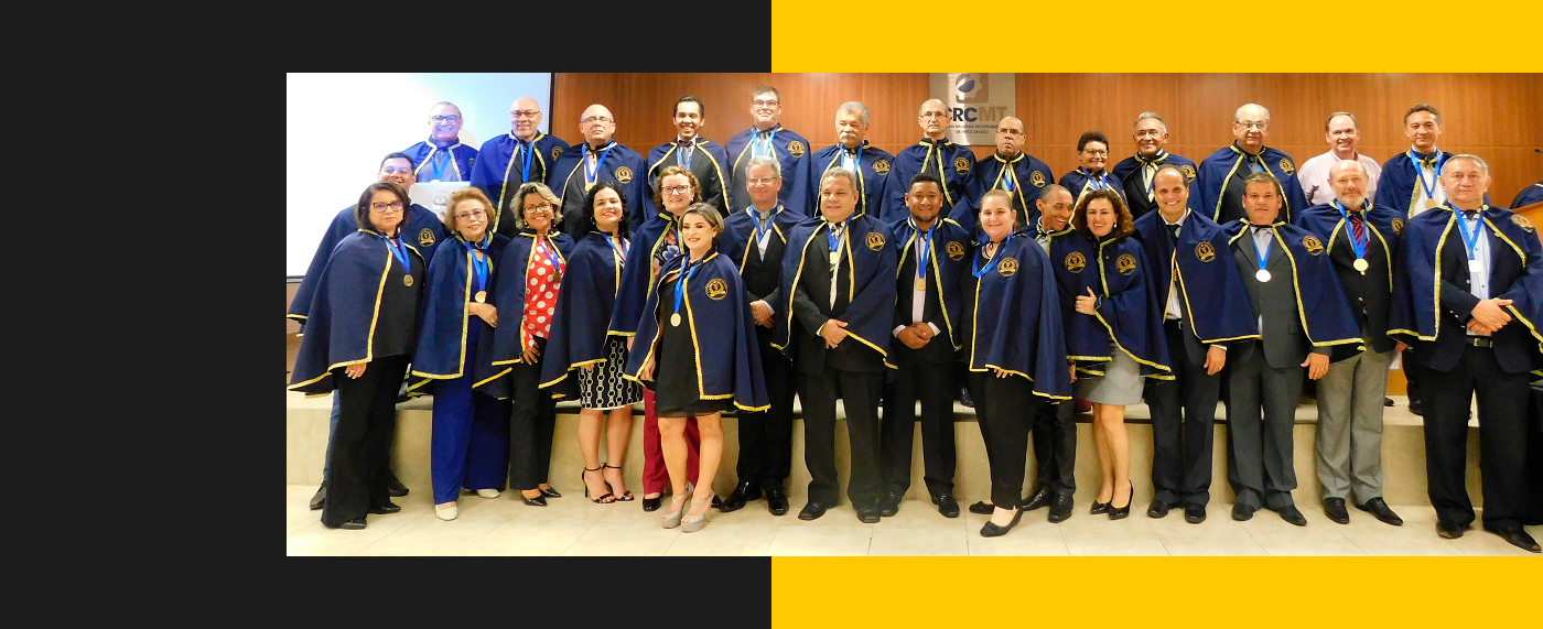 Posse de acadêmicos na Assembleia geral da AMACIC
